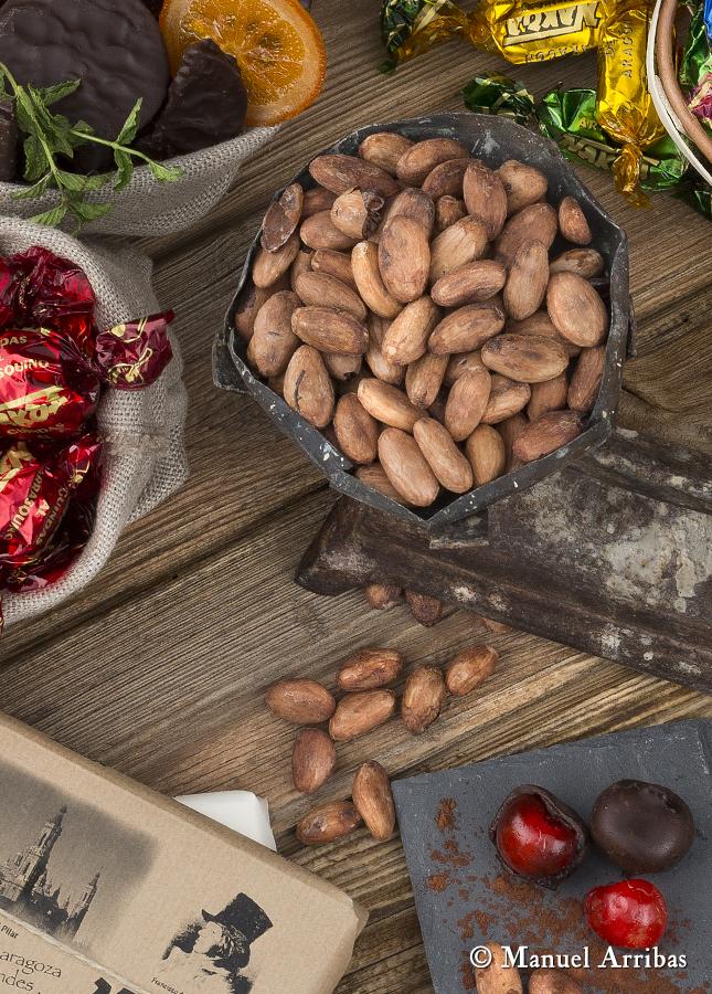 Bodegón con chocolate. Fotografía de producto